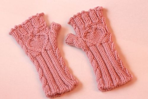 Knitting Pattern Gloves Child : Notes from the Something: Sleeveless Gloves